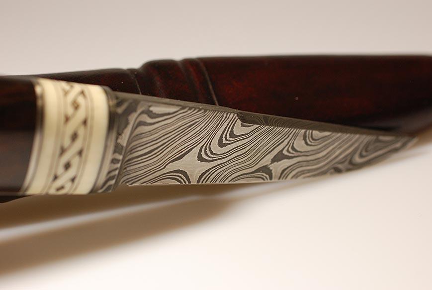 Damastmesser mit Scrimshaw im Skandinavischen Stil