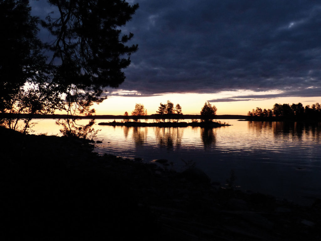 Sonnenuntergang in Lappland / Finnland
